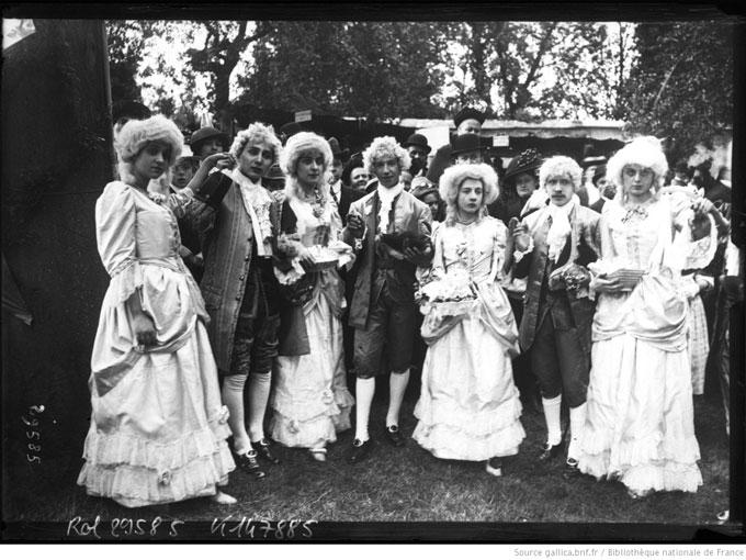 Χορός Menuet στο Νοζάντ της Βρετάνης, Γαλλία, 18 Μαΐου 1913 [Agence Rol/Bibliothèque Nationale de France/Gallica]