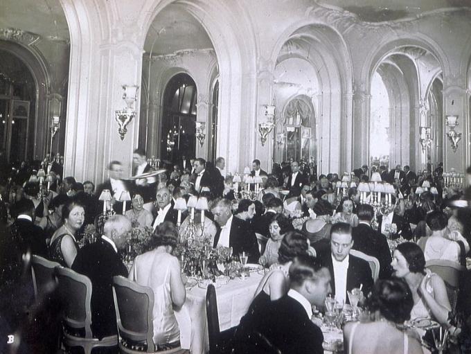 Πρωτοχρονιά στο Ritz, δεκαετία του '40. [Courtesy Ritz Paris]